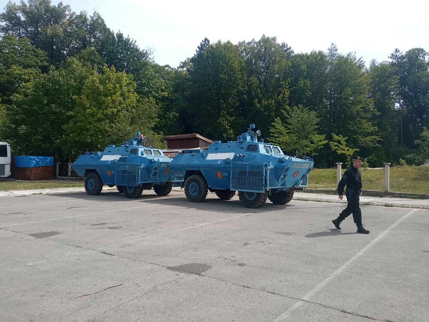 Cetinje, policija, oklopna vozila, oklopno vozilo, dan pred ustoličenje mitropolita Joanikija