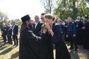Obelezavanje Dana novomucenika jasenovackih u Jasenovcu Princ Filip i princeza Danica Karadjordjevic