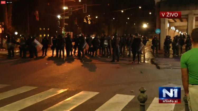 Slovenija, Ljubljana, protest, policija, suzavac