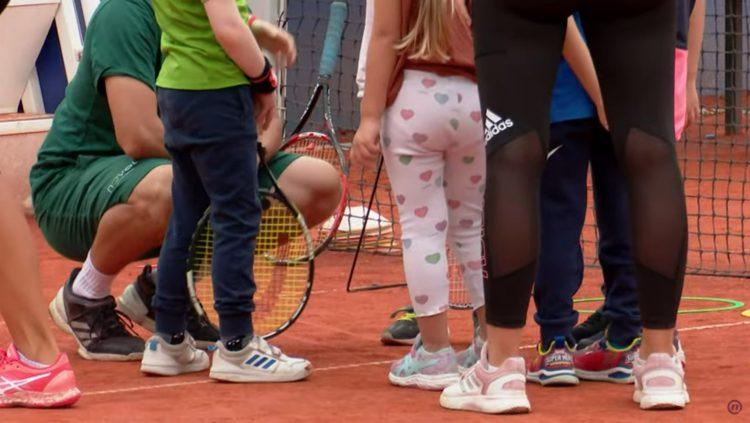 Tenis, Zašto su nam porasli teniski apetiti, prilog, emisija Među nama, Medju nama Nova S