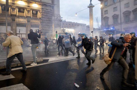 Rim, Italija, protest, kovid propusnice, koronavirus