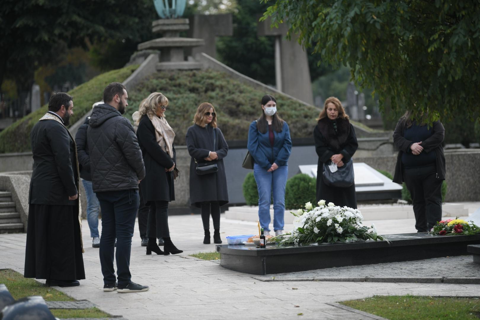 Pomen Mileni Dravic na Novom groblju