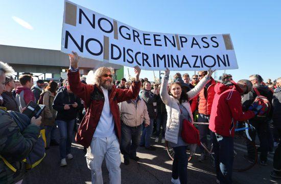 Italija protest kovid propusnice