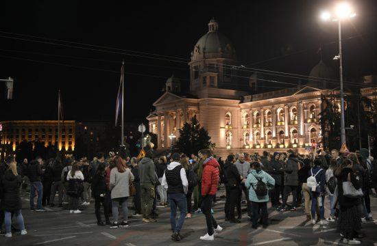 Protest, kovid propusnice, Skupština Srbije