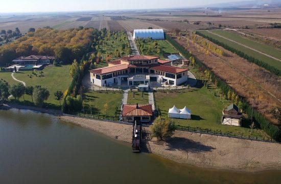 Vila Novaka Đokovića u Sremu