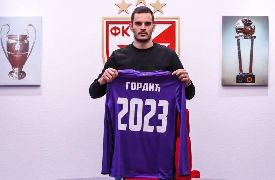 Miloš Gordić produžio ugovor sa Zvezdom do 2023.